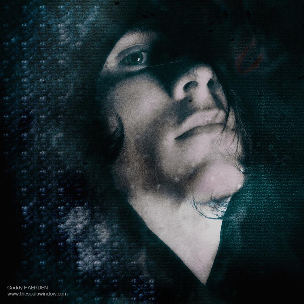 FBchiron surrealistic 1 Goddy Haerden -5359